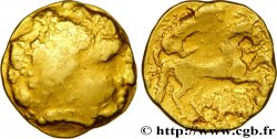CARNUTES (Région de la Beauce) Quart de statère d'or au sanglier conducteur