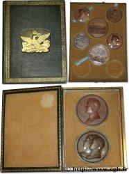 PREMIER EMPIRE Coffret Révolution et Napoléon Ier contenant des tirages en étain bronzé