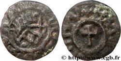 ATELIER INDÉTERMINÉ Bronze à la croix, tête stylisée AX